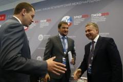 Во-время-делового-круглого-стола-Россия-Индия-2